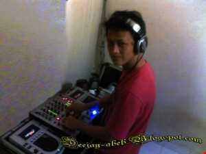 Rahinna & Halvin Carris   We Lound Fove ( Dj Abeb M2000 Mix )
