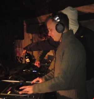 14 02 01 JK Rich (only 1 fm) and Lil' Jez (Wireless Soundsystem) back on it. First new year mix 2014