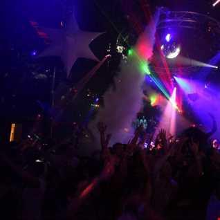 Dimitri Vegas & Like Mike, Thomas Newson, Ashley Wallbridge, Andrew Rayel   Dark Ocarina DUI Warrior of Pollariod (DJ Robbie Mash Up)