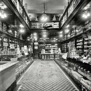 Drugstore ''Evolution'' Vol. 4