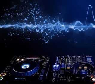 DJ 65ETTO DJ SET MAT 2