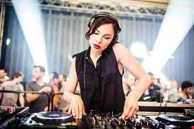 Nina Kraviz - Desire (DJ Bosco RMX)