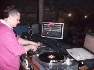 DJ CRAIGY BOY  ROUGHNECK RADIO 29 08 2014