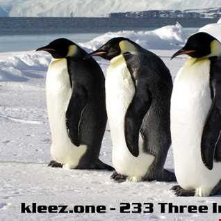 kleez.one   233 Three In A Row