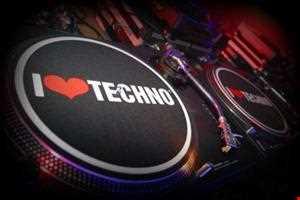 Es-Cee - Techno Tuesday - 24-09-2013