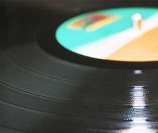 Mixhouse Vs. Q & The Gang. Extended Memory Lane Megamix by Jonas Mix Larsen
