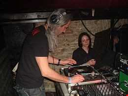 THUNDERDOME NEVER DIES - live mix  early and millennium (Lancinhouse)