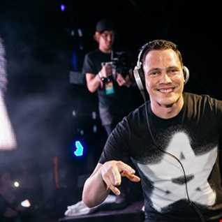 ADE 2016 TIESTO PLAYING TRANCE CLASSICS