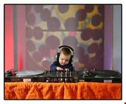 Mel & Andys New Baby Mix by Matt eMGe *LIVE* on www.BrainsmudgeRadio.com 040316