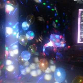 (DJGowell) - Bounce a Gyal (feat. Lexxus)