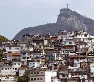 Favela (todos a bordo)