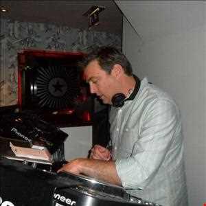 Steve Lazenby - Tunegrabber Radio Show - 15/04/2013