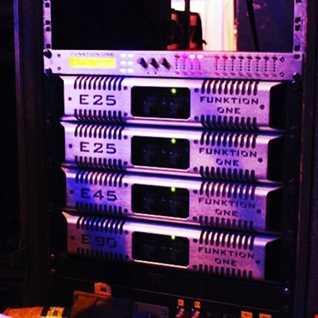 CDJ ON THE DECKS MIX 2011 TRAXS