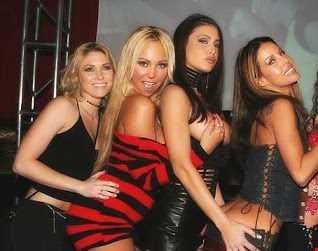 brumar ,,mix in the club liveeeeee hi