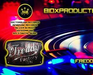 8 12 2017Freddiy's Factory bar RIFLETTO MA NON MI SPECCHIO 1h