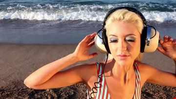 Mid Summer Reminiscing Old School Progressive House Mix Volume I