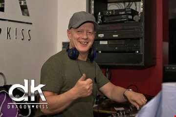 DJ RONNIE B MARCH MIC RNB