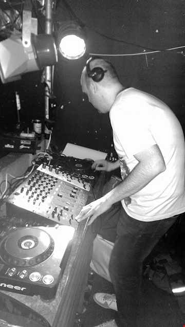 Live in Session May '15   Mixed By RoBBerto