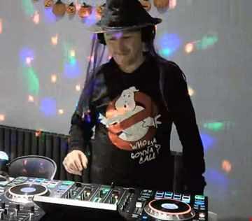 BB16 - a mix of 90s house classics and modern nu disco, deep house & tech house