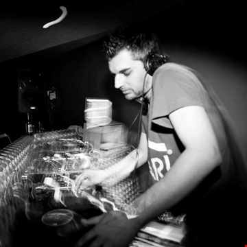 DJ DREAM - DEEP, DARK & MOODY SHOW LIVE! (#DeepHouse, #TechHouse, #MicroHouse, #Techno, #MinimalTech, #DeepTech, #DubTechno, #AcidHouse & More!)